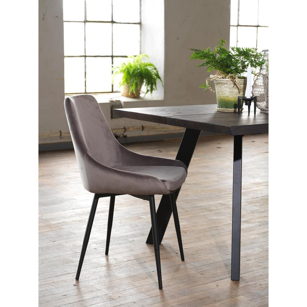 Köp Sierra stol grå sammetsvarta metall ben från Rowico hos
